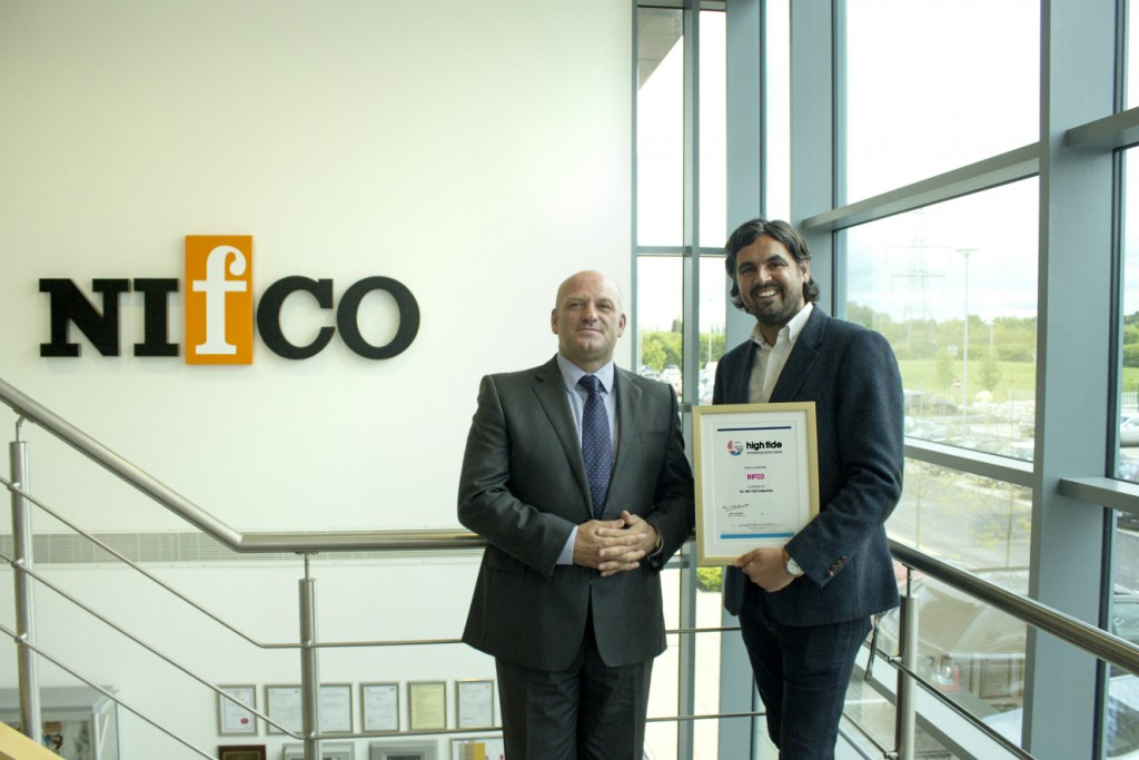 Trustee Mark Easby of Better Brand Agency presenting Mik eMatthews of Nifco with certificate