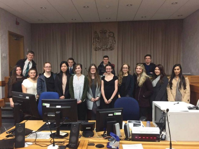 summer scheme law student at mock trial